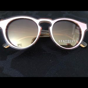 Accessories - Pink tint glasses